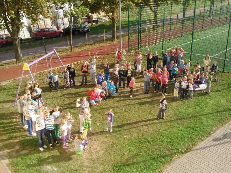 plac zabaw SP Pruszcz 09.2014 (fot. UG Gostycyn)