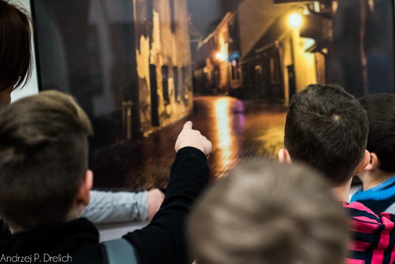 Klasa IV SP 5 Tuchola na wystawie Miasto Moje a w Nim MBT 3.02.2015-6