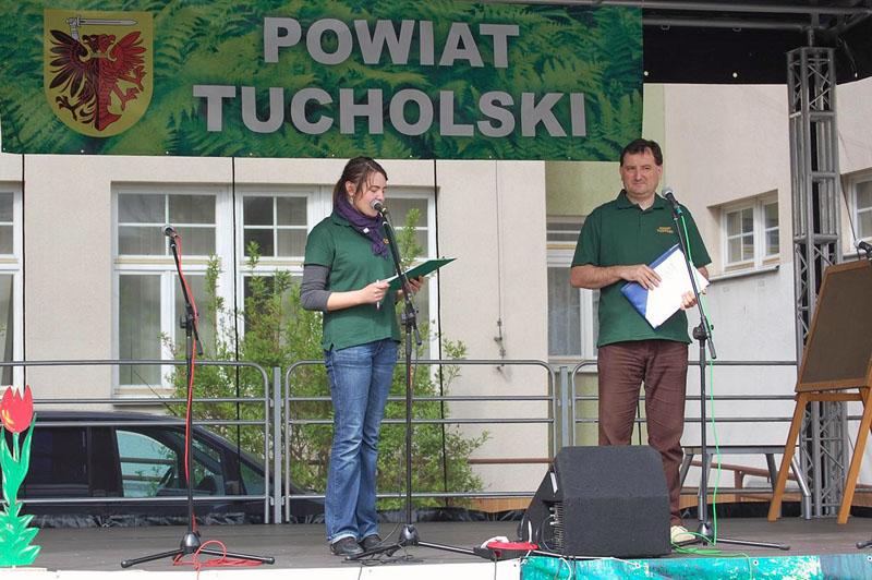 Maciej Korda i Magdalena Melnyczek podczas Powiatowego Dnia Dziecka w 2010 r.