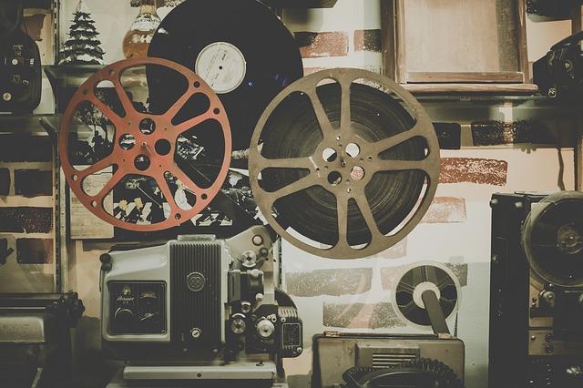 Projektor kinowy (fot. pixabay.com)