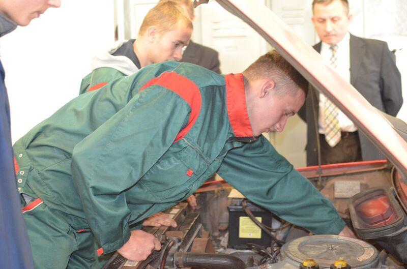 Mechanicy pojazdów samochodowych z ZSLiT wygrali zawody 05.2016 6