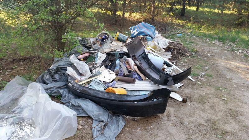 Nielegalne wysypisko śmieci Bladowo 05.2016 fot. KPP Tuchola